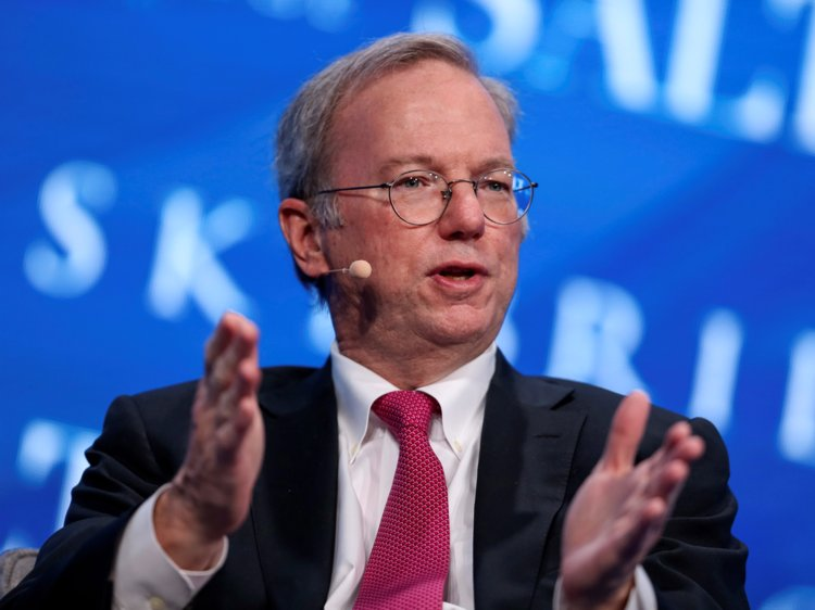 Google's Ex-CEO Eric Schmidt predict the Internet will be split between US and a Censored Version in China