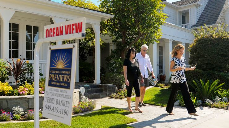 Mortgage demand falls again, despite lower interest rates